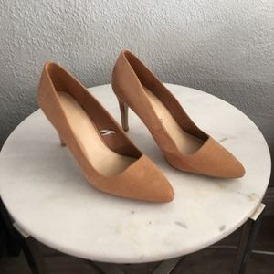 FOREVER 21 / Faux Suede Tan Heels / SZ 8.5